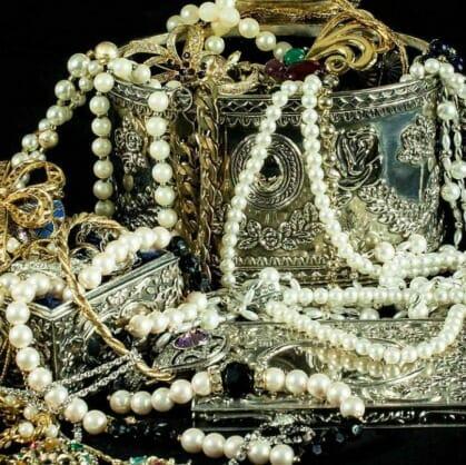 Главное изображение для квеста Драгоценности семьи Романовых